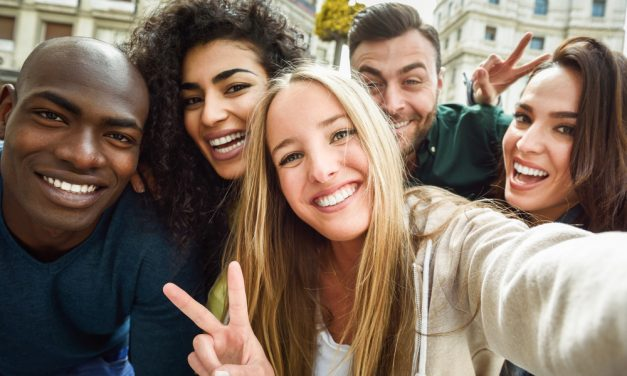 How to Make Friends Abroad and Improve your Fluency